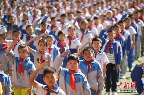 資料圖:山西一小學舉行開學儀式。武俊傑 攝