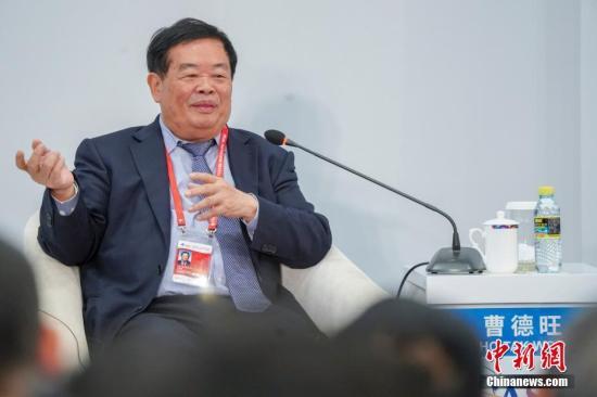 """""""中国玻璃大王""""曹德旺:作为企业家要德配其位 要有文化自信"""